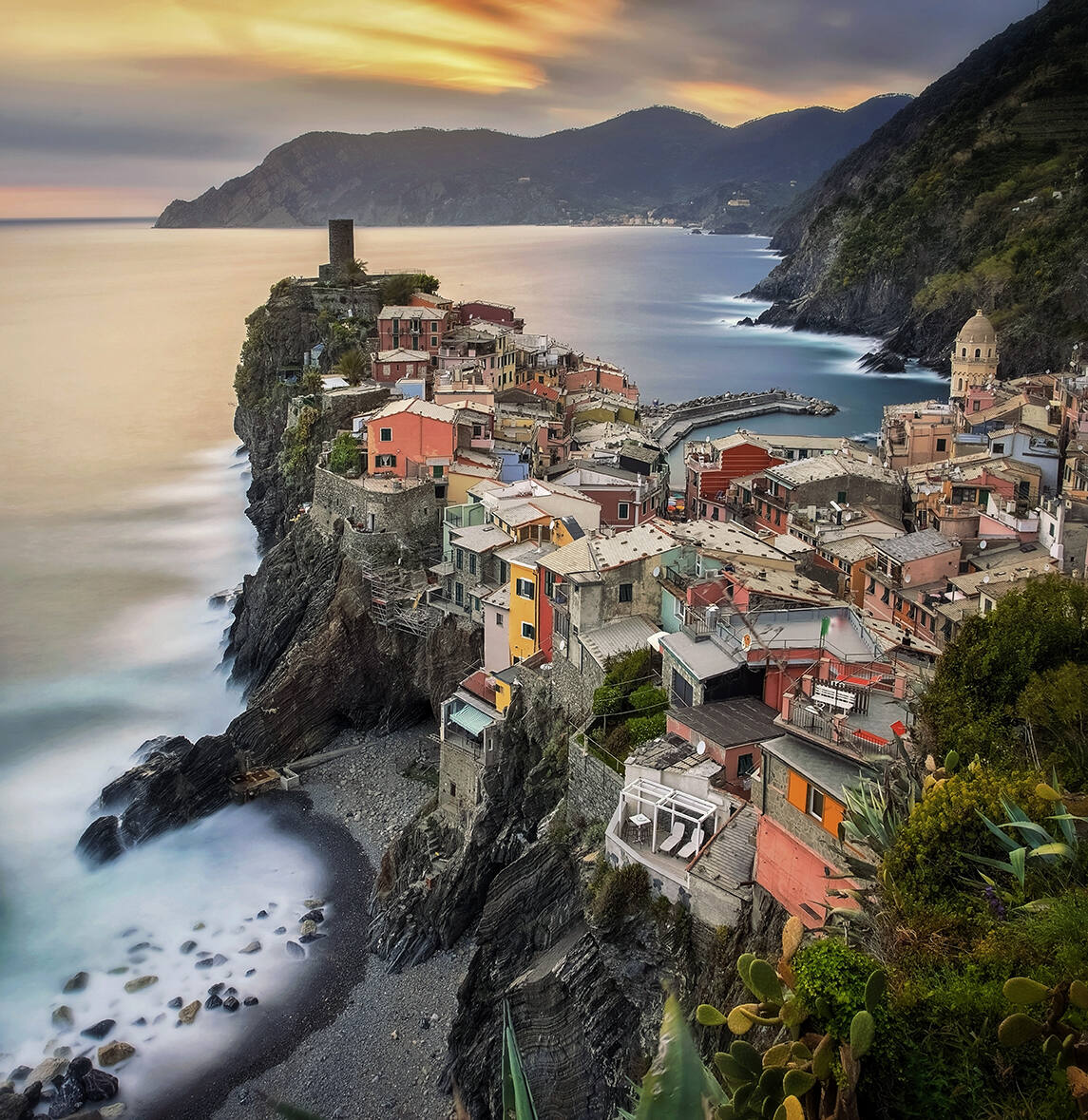 Vernazza by @oldkyrenian